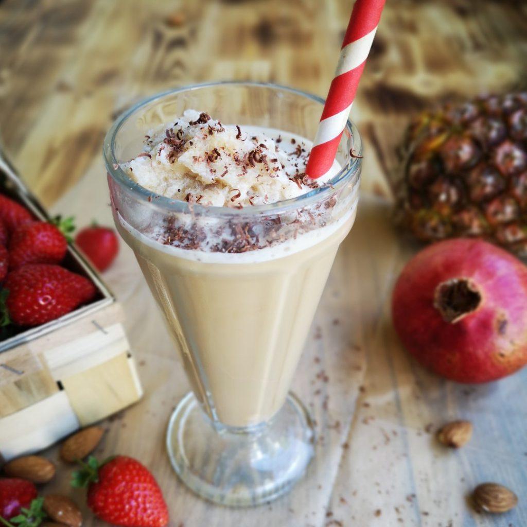 Kawa mrożona z owocami