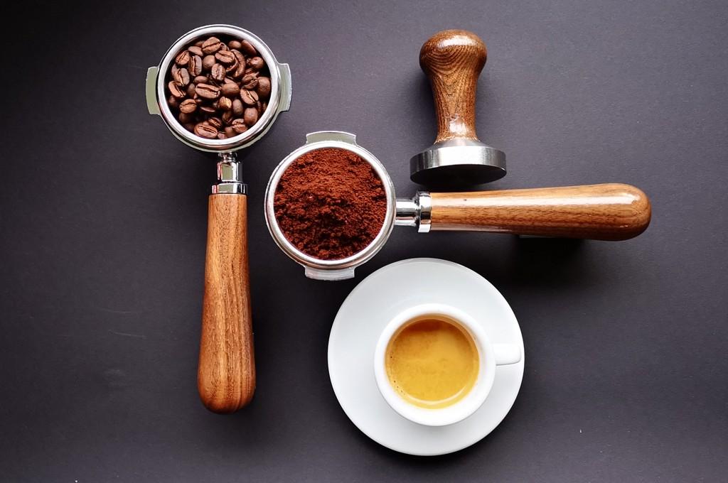 parzenie kawy w kawiarce