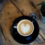 Kubek do kawy z okazji Dnia Ojca – propozycje prezentu dla taty kawosza