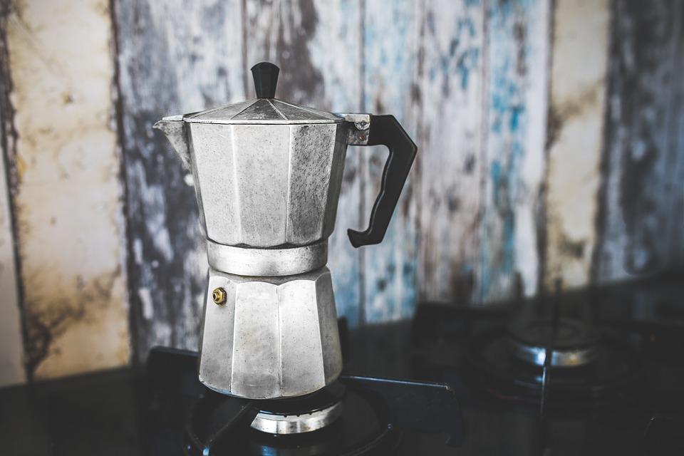 Przy wyborze kawiarki warto zwrócić uwagę na jej rozmiar