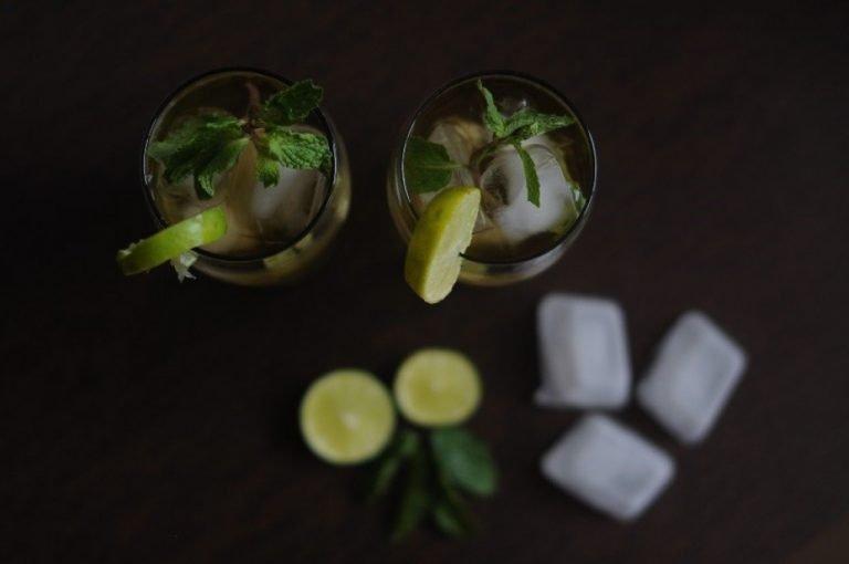 Kawowe mojito – jak przyrządzić orzeźwiający napój z kawą i limonką?