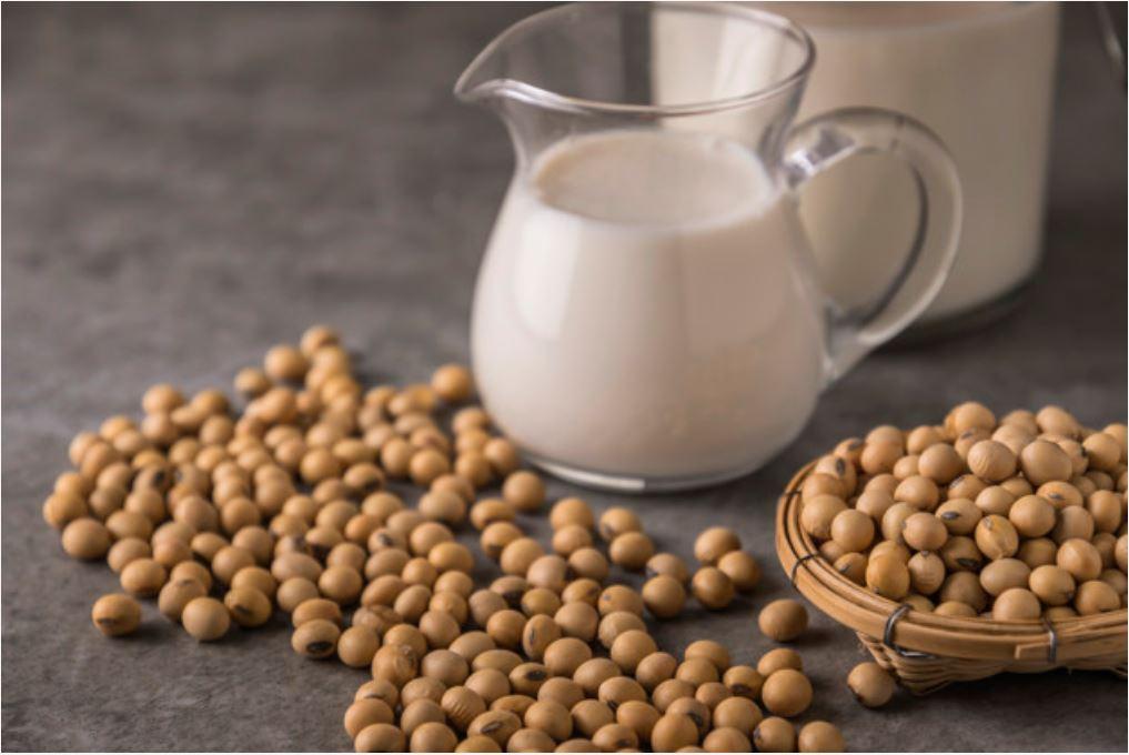 Jakie mleko roślinne wybrać do kawy?