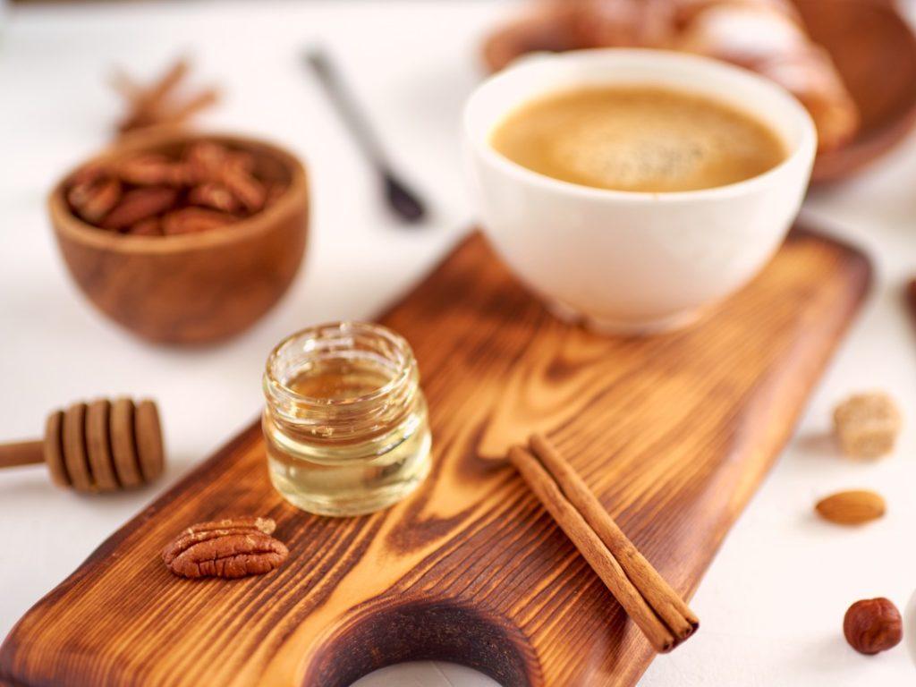 kawa słodzona miodem